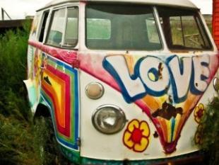 Addio al pulmino degli hippie icona anni 39 60 for Furgone anni 70 volkswagen